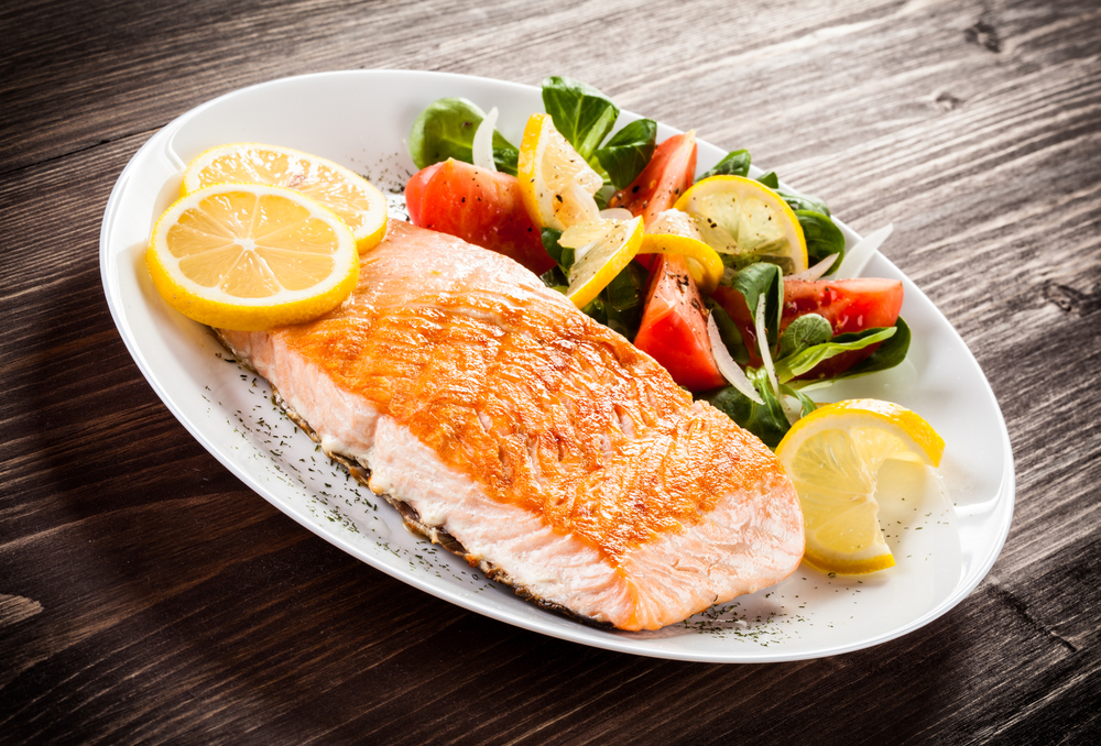 healthy salmon dinner with tomatoes