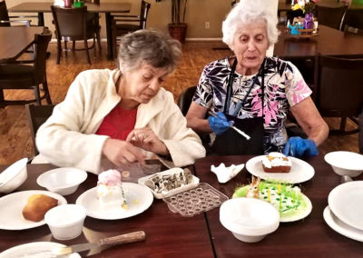 cake decorating assisted living albuquerque 2