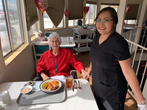 Camino_dining-room-server-assisted-living-albuquerque-1_best