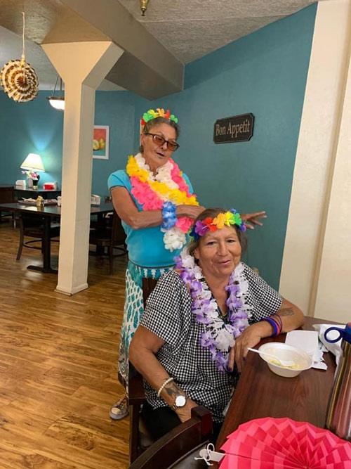 Tropical-day-at-camino-assisted-living-albuquerque